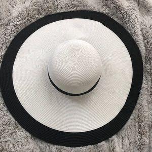 Gorgeous Saks hat